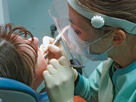 curso de auxiliar de clínica dental